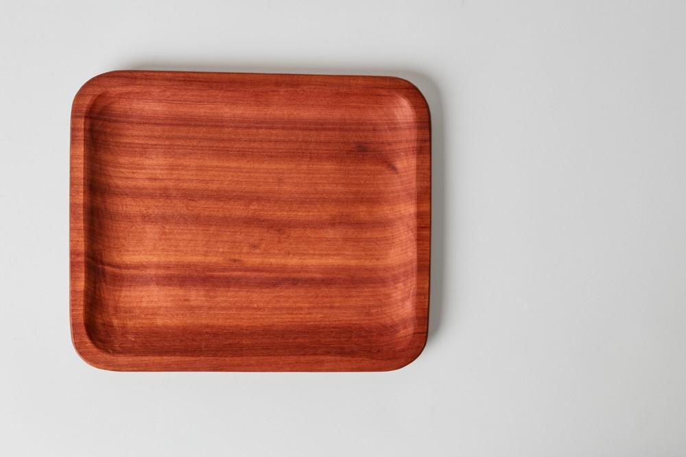 Plato rectangular de raulí