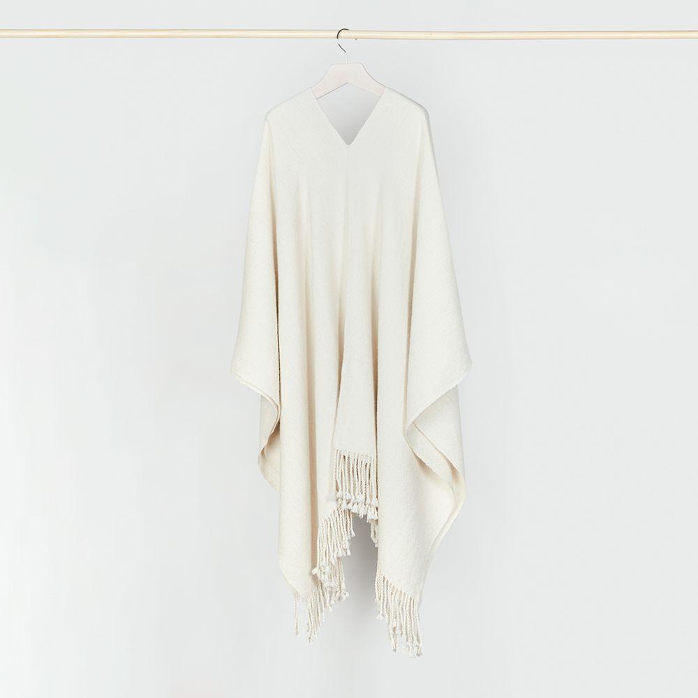 Poncho blanco