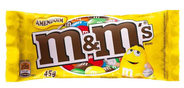 Confeito de chocolate ao leite com amendoim
