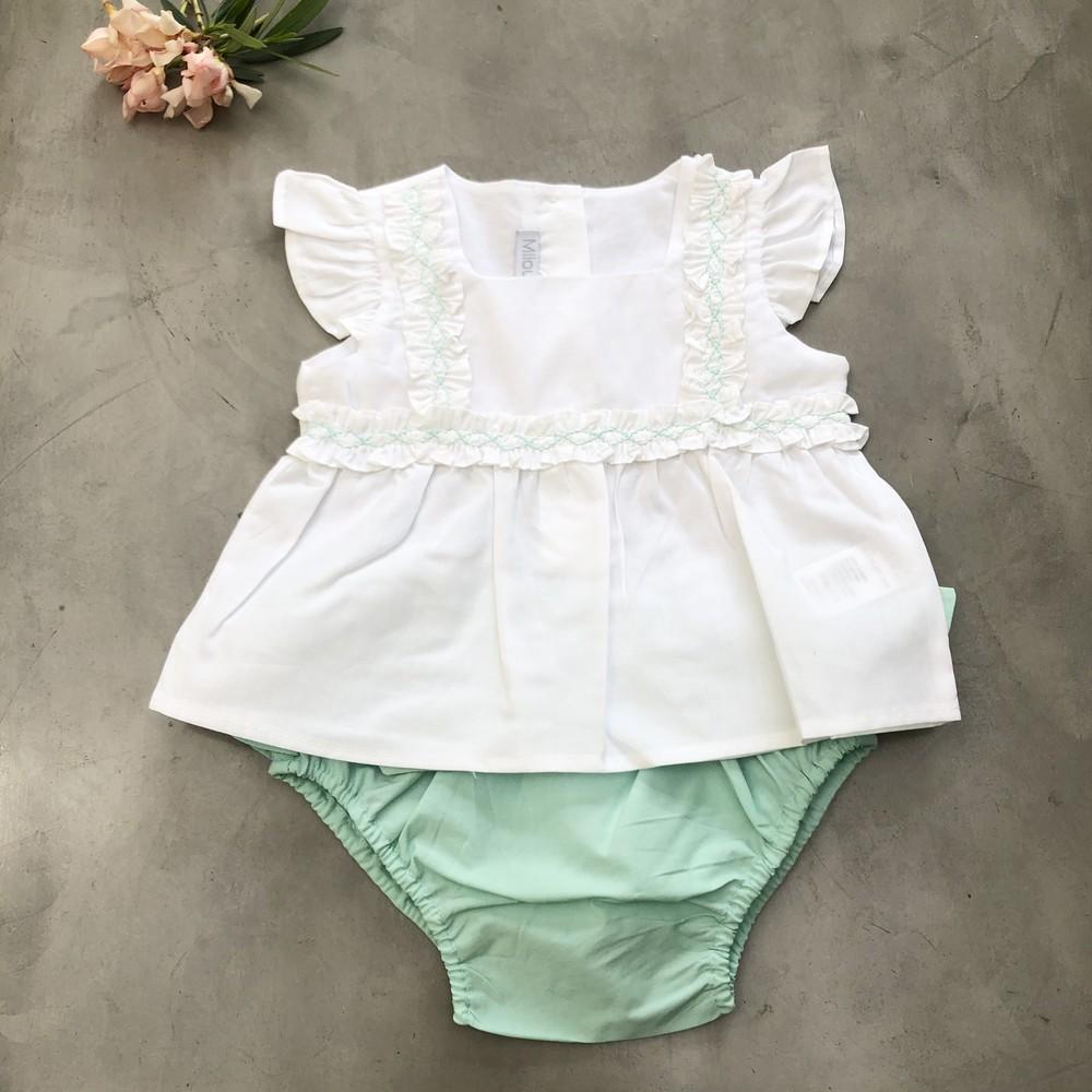 Cjto short y blusa bordada 18M (12/18 meses)