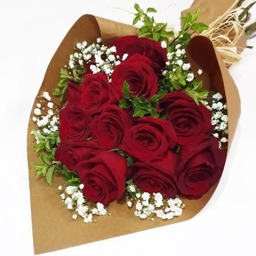 Ramo 12 rosas ecuatorianas  ( Flores Naturales ) 12 Rosas rojas . ( Flores Naturales )