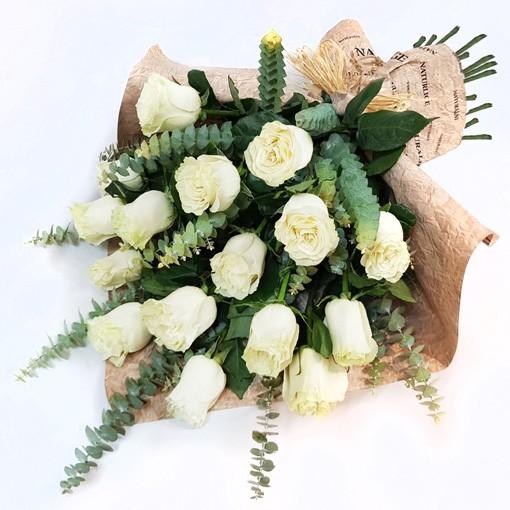 Ramo The Farm  ( Ramo de Flores Naturales ) 15 rosas  ( Flores Naturales )