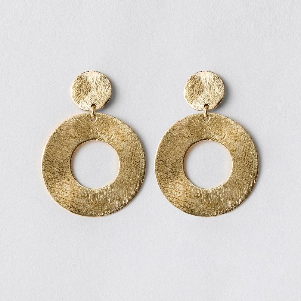 Aro verónica s oro Dimensiones: 4cm largo x 2,7cm ancho, Peso: 2,2 grs c/u