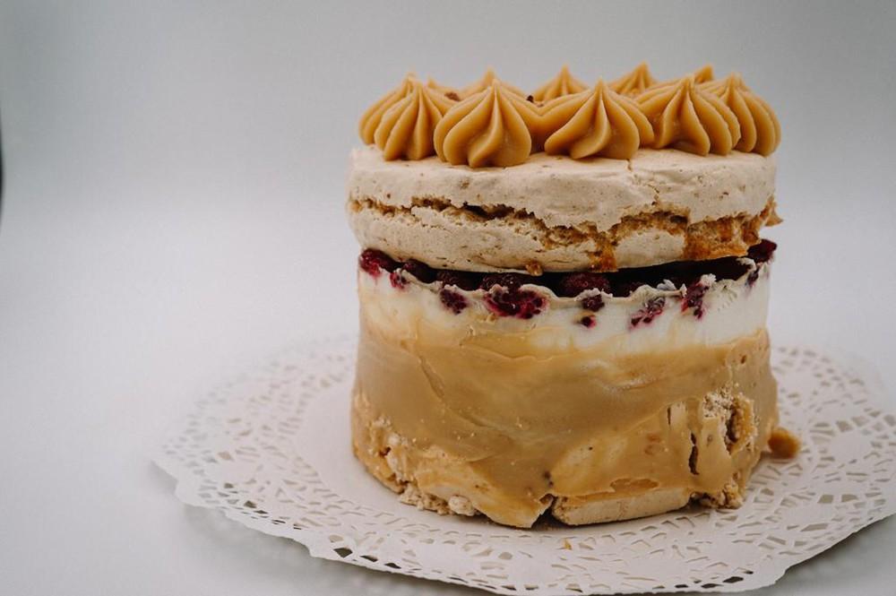 Torta merengue almendrado chica,10 personas unidad