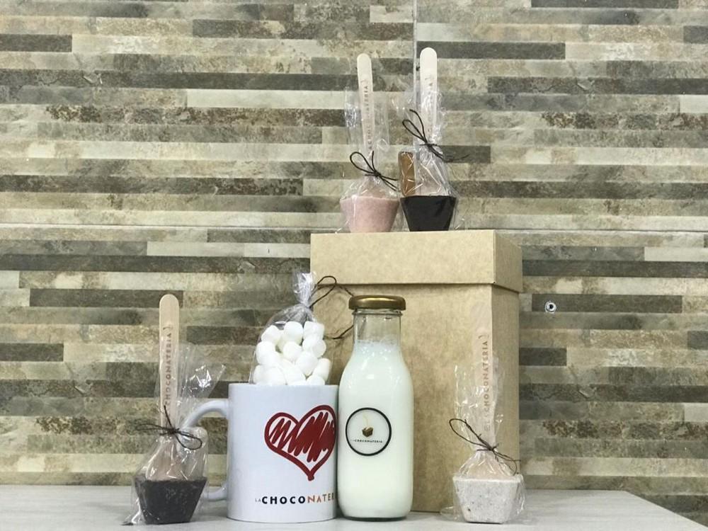 Kit mug + botella de leche Caja de 700 gr