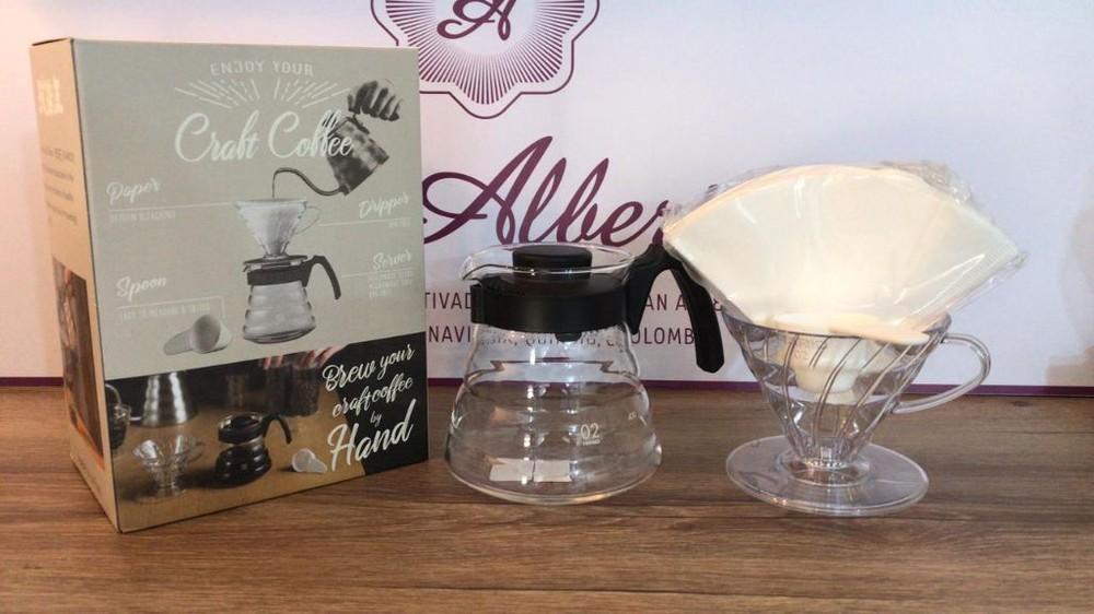 Kit cono de goteo Caja con cono, jarra, filtros