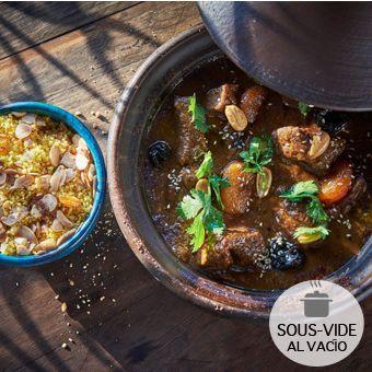 Tagine de cordero con ciruelas y almendras tostadas 2 bolsas al vacío (calentar al baño maría) : 300gr de tagine y 100gr de couscous.