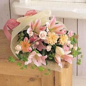 Bouquet mix liliums 60 cms x 40 cms aprox