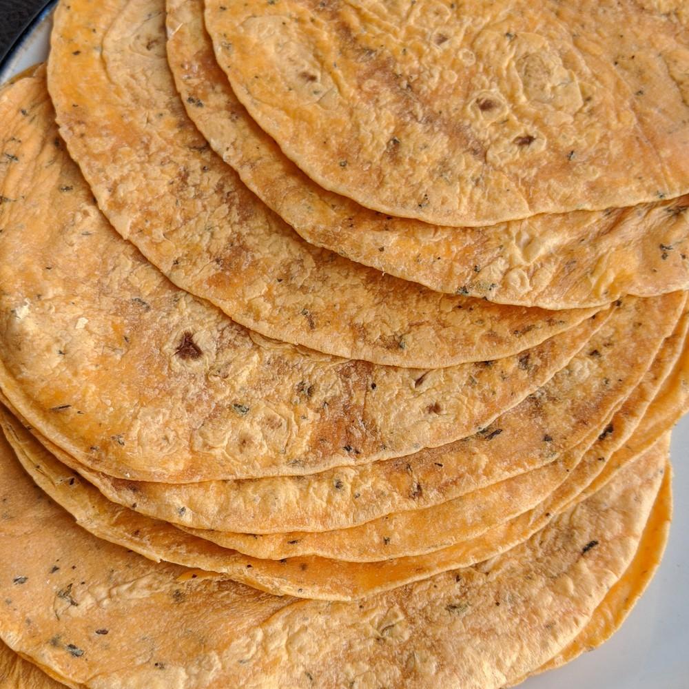 "Tortillas de trigo - tomate - 10"" (25 cm.) 12 Unidades por bolsa"