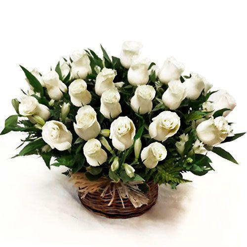 Cesta isidora - canasta de rosas  ( Flores Naturales ) Cesta artesanal 60x50 cms  ( Flores Naturales )
