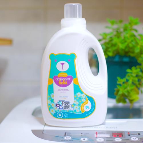 Detergente bebe free met botellon plastico 3 lt