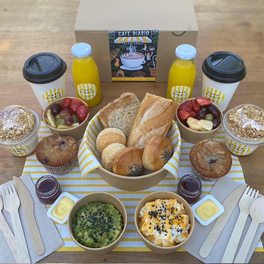 Caja de desayuno tradicional para compartir unidad