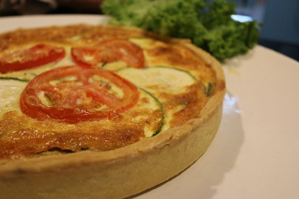 Quiche zapallitos italianos y tomate - 8 porciones -