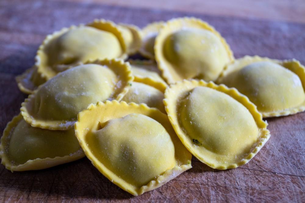 Tortelloni 3 Quesos Caja de 1 Kg.