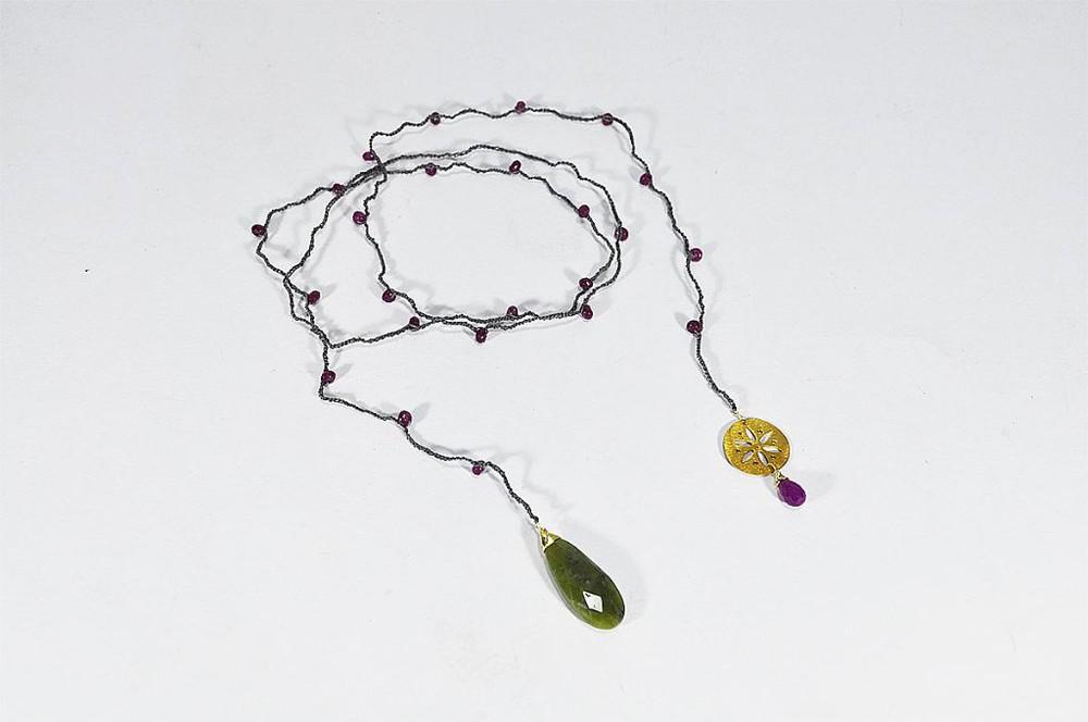 Collar crochet largo colgante piedra verde