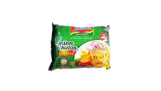 Instant noodles onion chicken