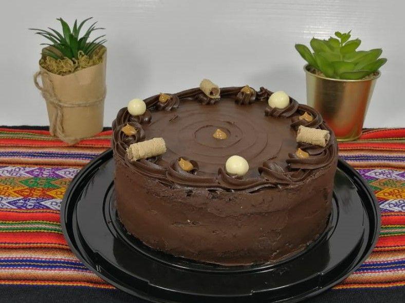 Torta de chocolate peruana Familiar 10 personas (22 cm diametro)
