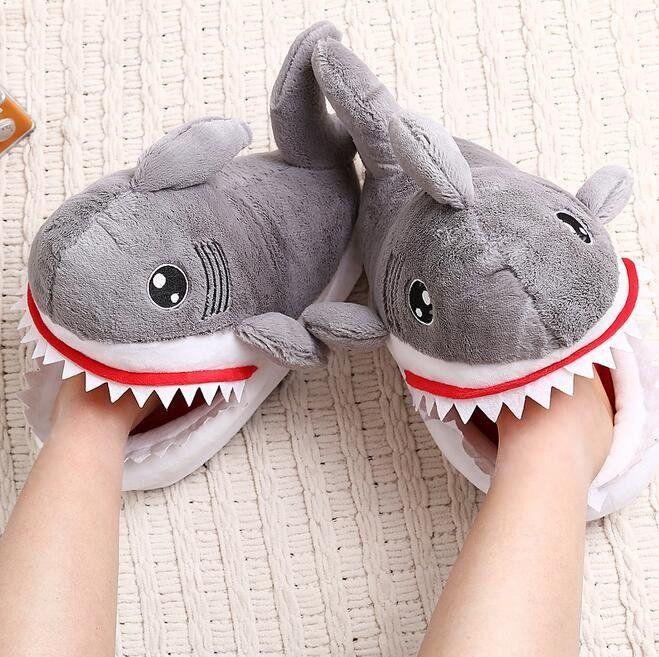 Pantuflas tiburón Talla standard 34-41 aprox