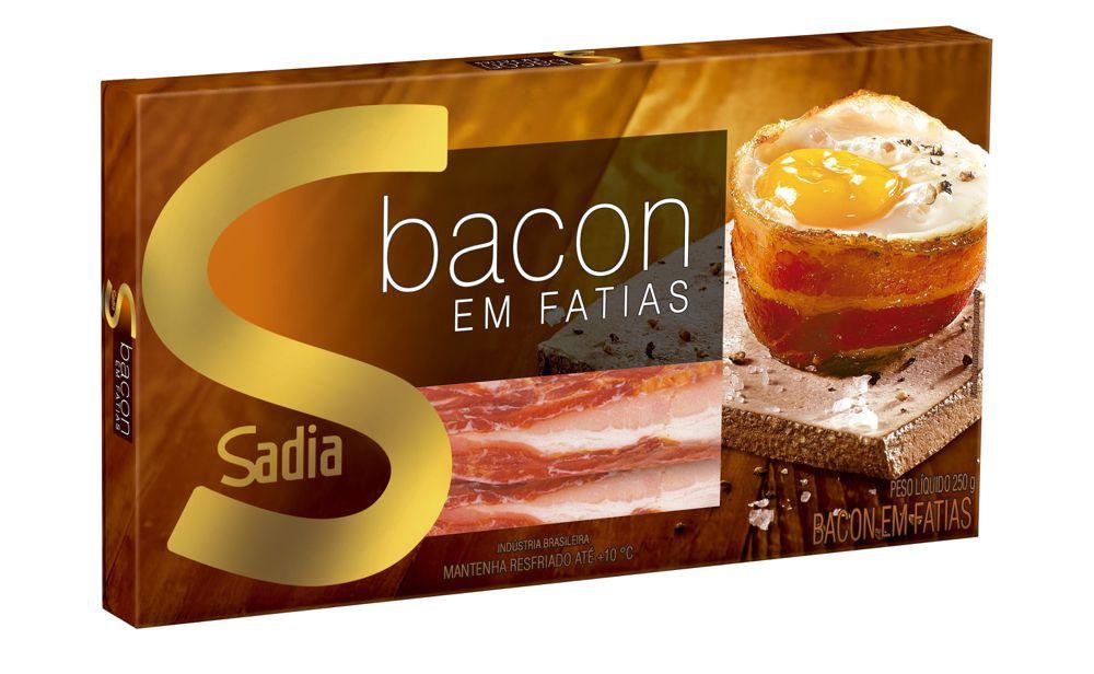 Bacon em fatias na receita