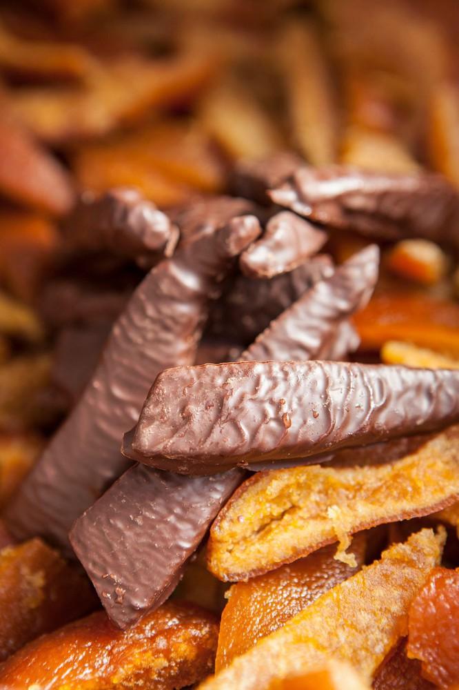 Naranjitas con chocolate belga 100 gr. Paquete 100 gr