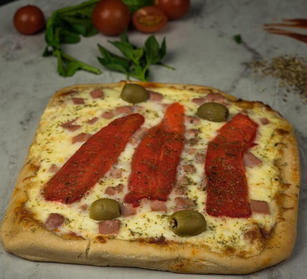 Pizza argenta tradicional individual 20 x 20 cm aprox