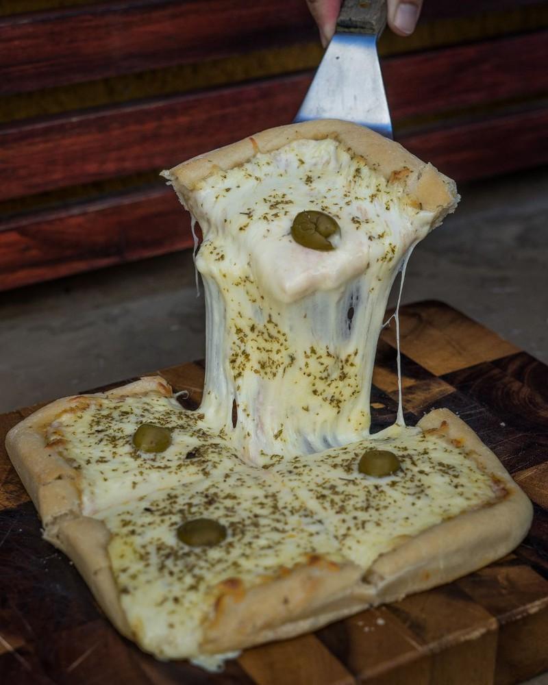 Pizza mozzarella tradicional individual 20 x 20 cm aprox