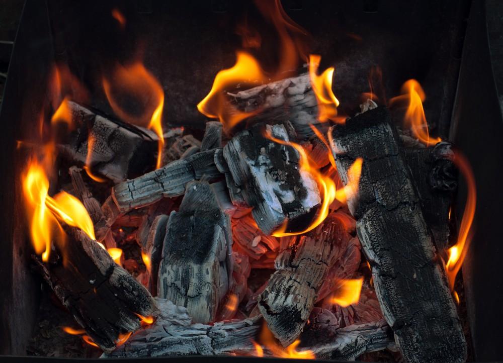 """Natural wood charcoal """"leñador"""" 10 lbs 10 LB"""