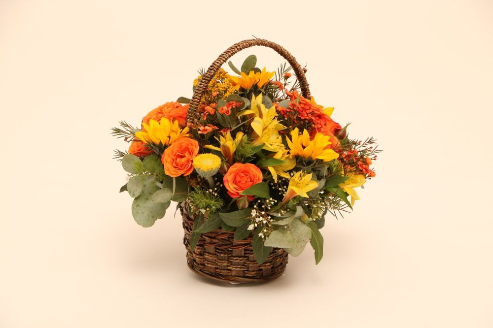 Canasto melodía canasto con flores