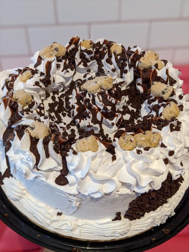 Gourmet cookie dough ice cream cake 1 Cake