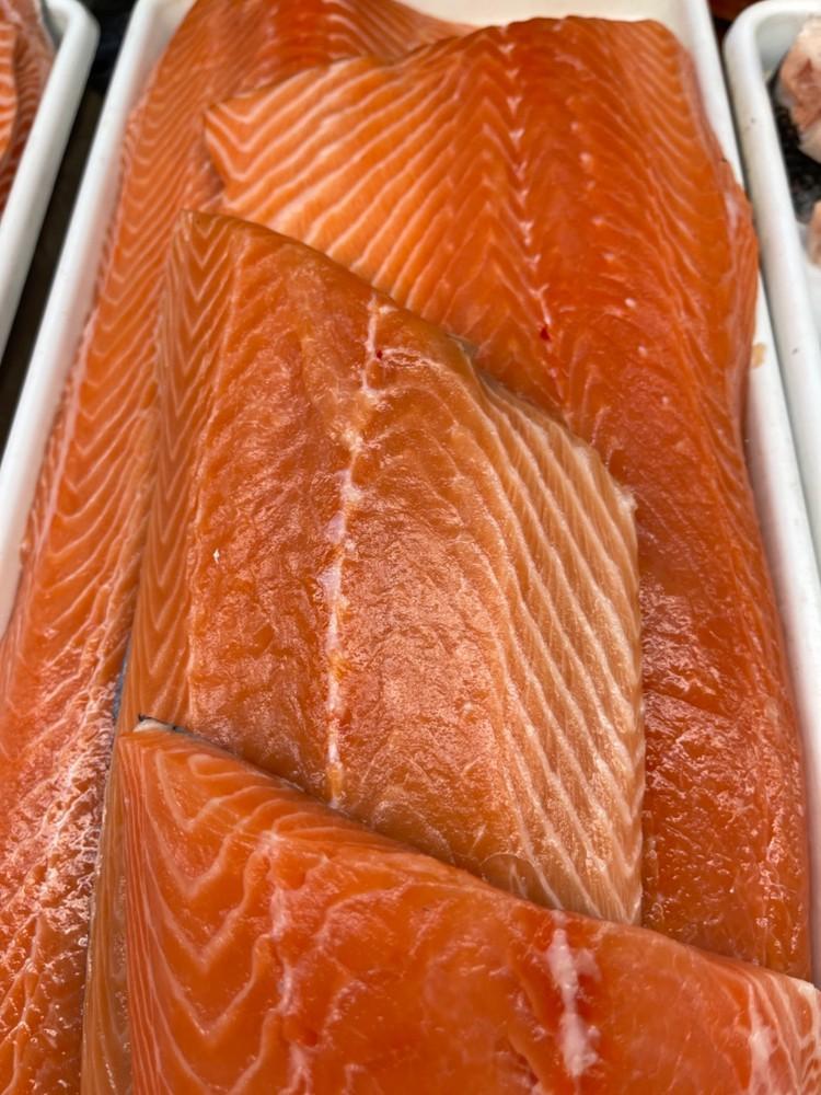 Atlantic salmon fillets 1lb