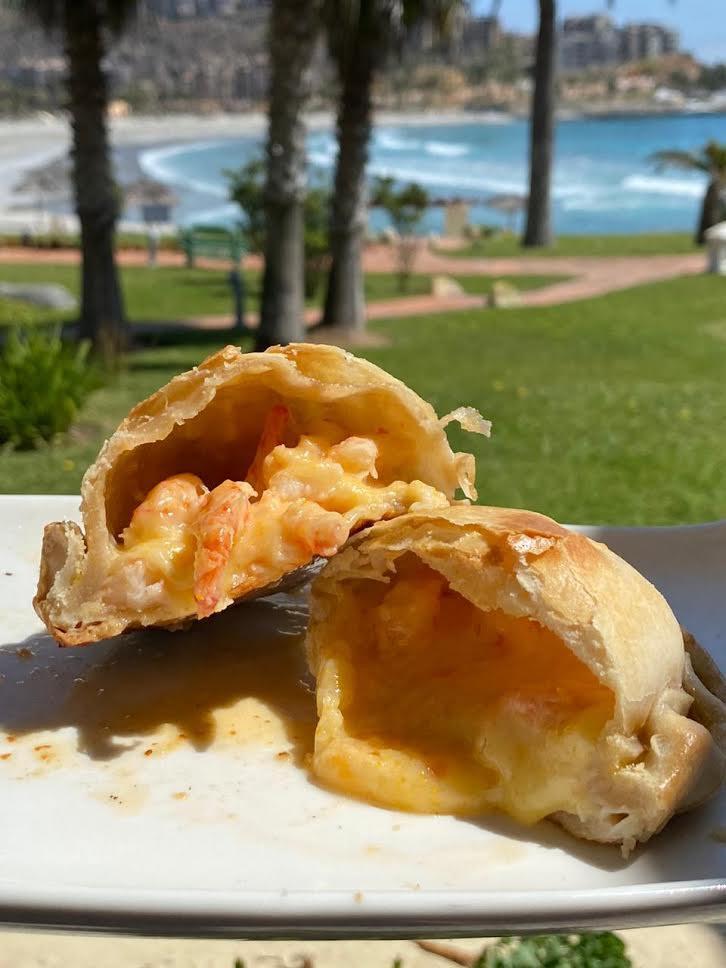 Empanada de camarón queso 1 un