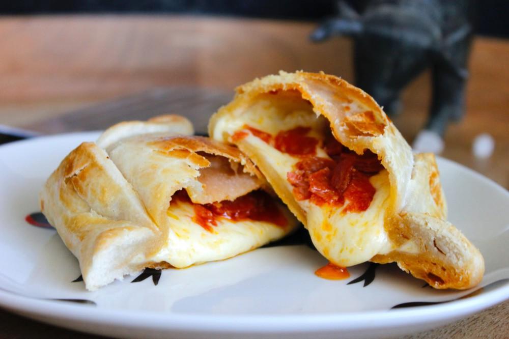 Empanada pepperoni Un,  240 gr aprox