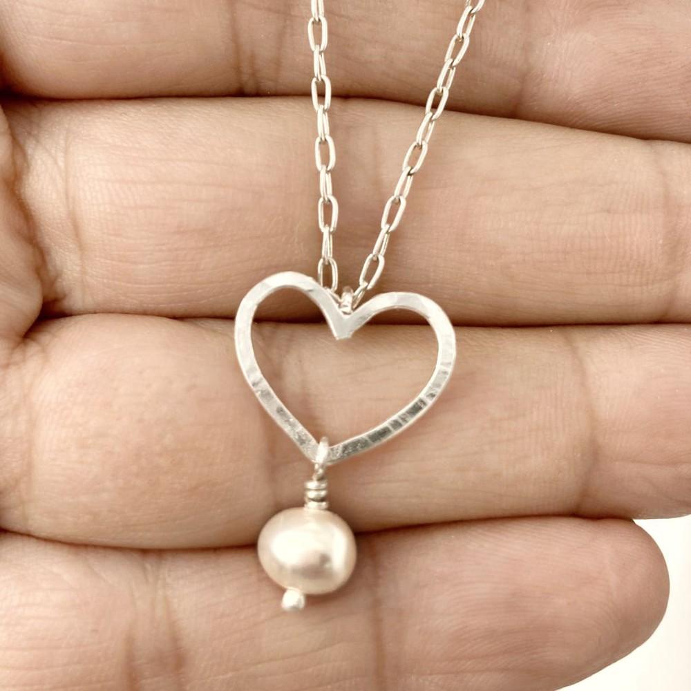 Collar cadena plata con corazón y perla Cadena 40 cms
