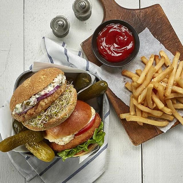 Chicken feta spinach burgers