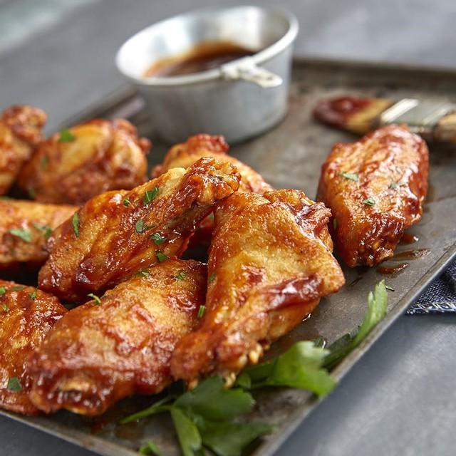 Fryer wings raw