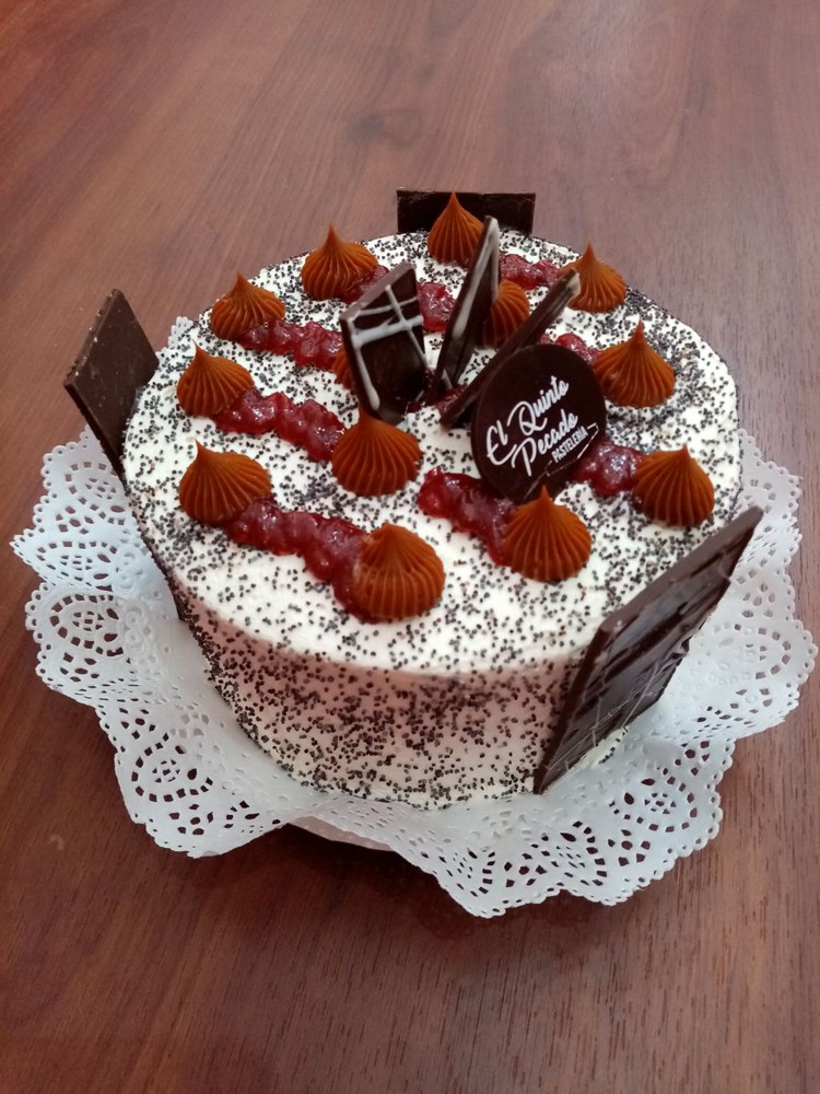 Torta divina manjar frambuesa 10p Torta 10 personas