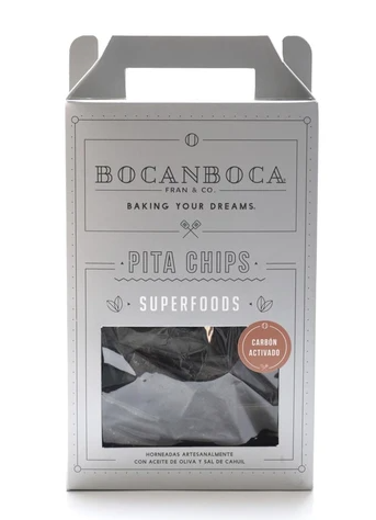 Pita chips con carbón activado