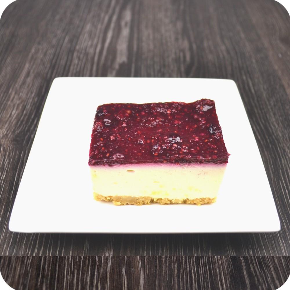 Cheesecake con mora y agraz Porción de 125 gr