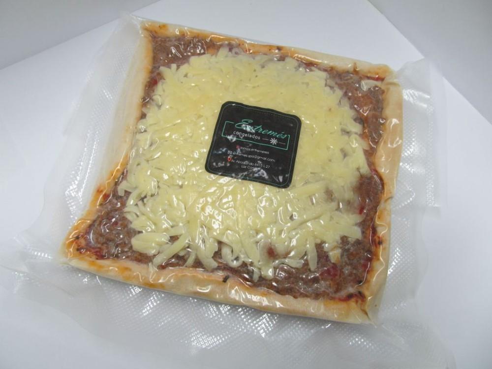 Pizza carne unidad 20x20cms
