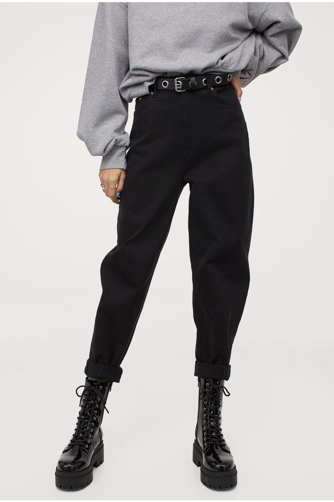 Mom Loose-Fit Twill Pants Color: black. Size: 4