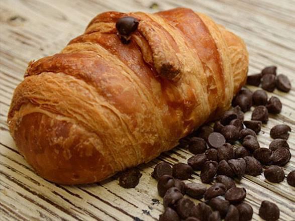 Pain Au Chocolat (Chocolat Croissant Ready to Eat) 1 pc
