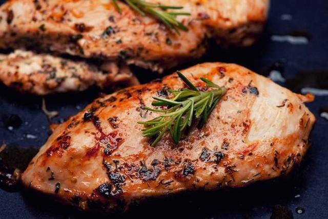 BBQ Chicken Breast (Boneless/Skin on) (4 per package)
