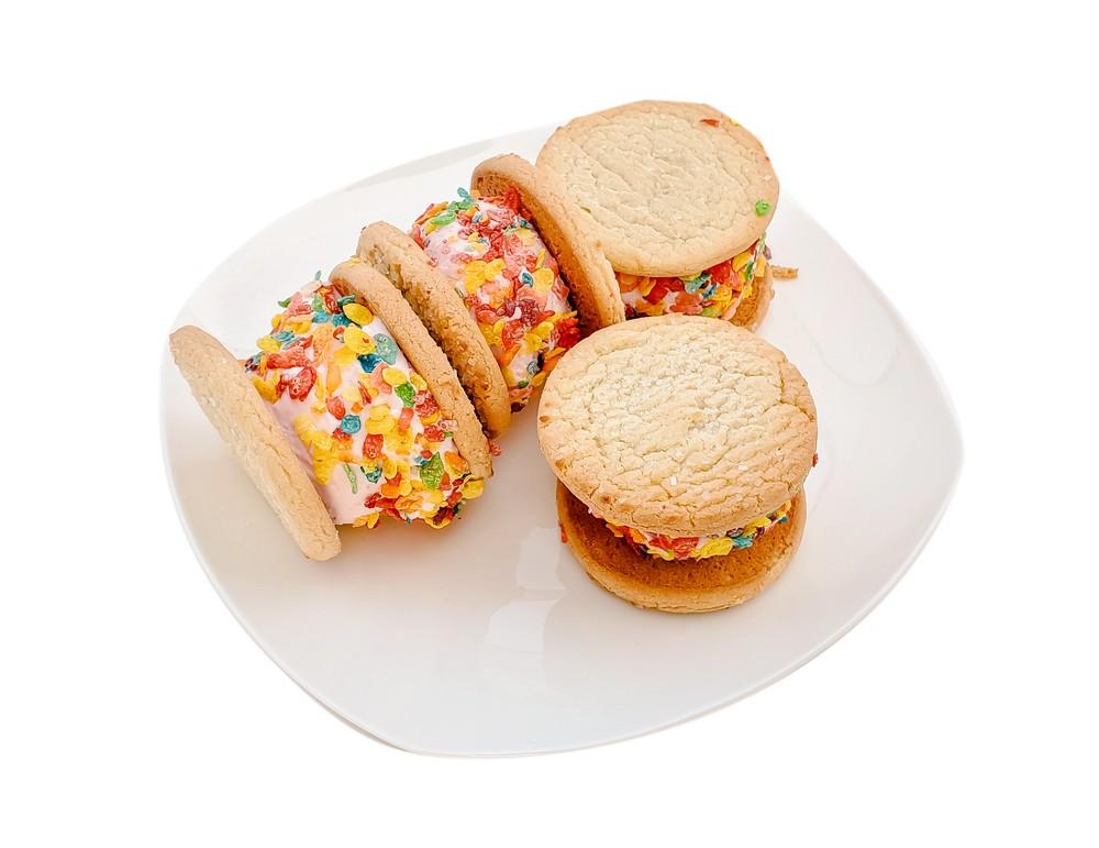 Fruit cake ice cream sandwiches 4-pack