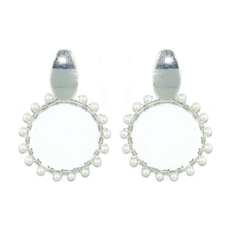 Aretes circulo alambre perla plata Medidas: L 7.1cm x A 6cm