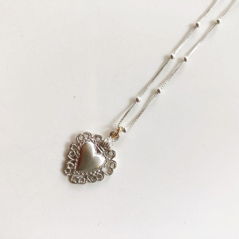 Collar detente bolitas plata Cadena 45 cm ,corazón ancho 1,5 cm alto 1,7