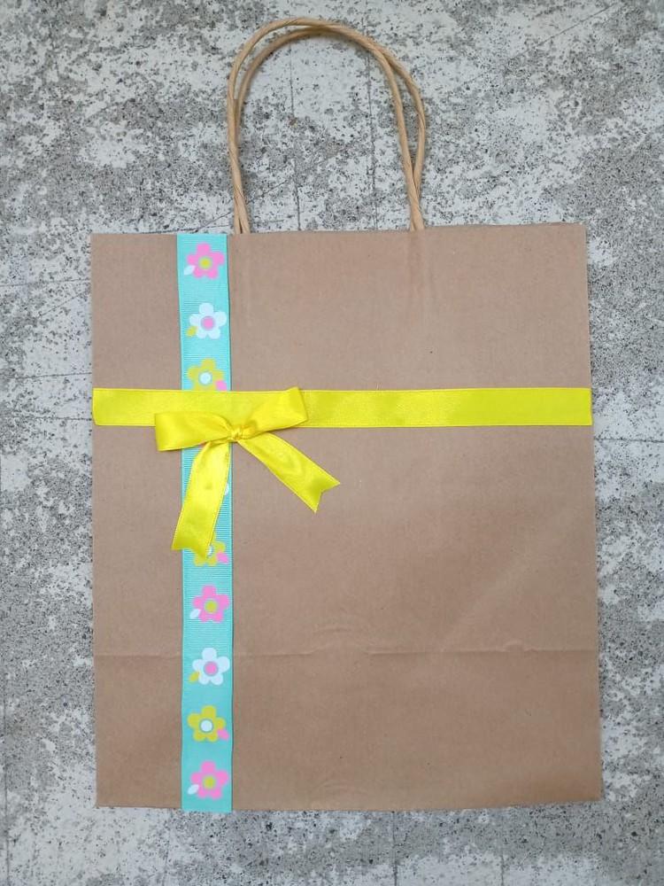 Bolsa de regalo cinta amarilla 22x26x16 cm