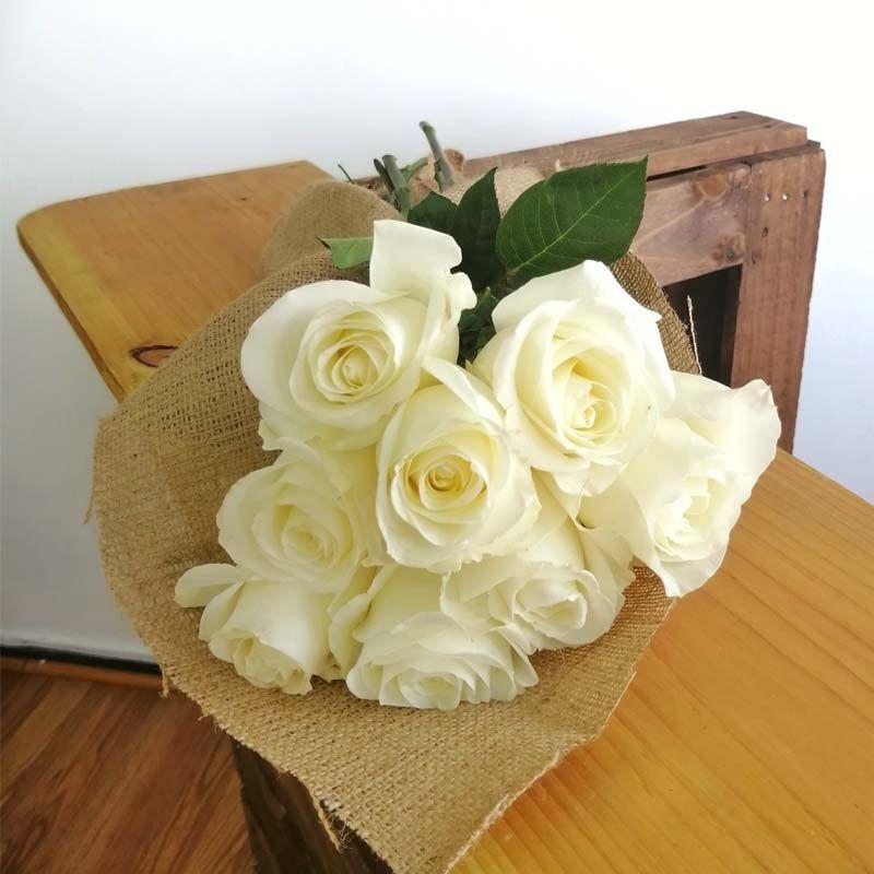 Ramo rústico 8 rosas
