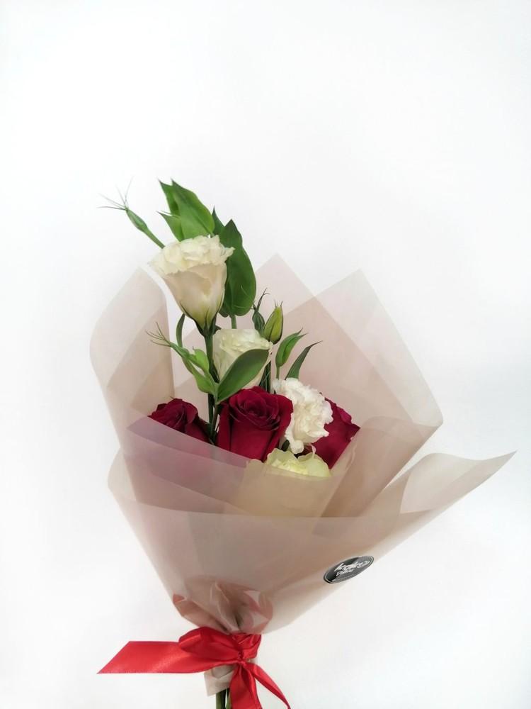Smoky 4 rosas 1 flor que esté disponible en tienda