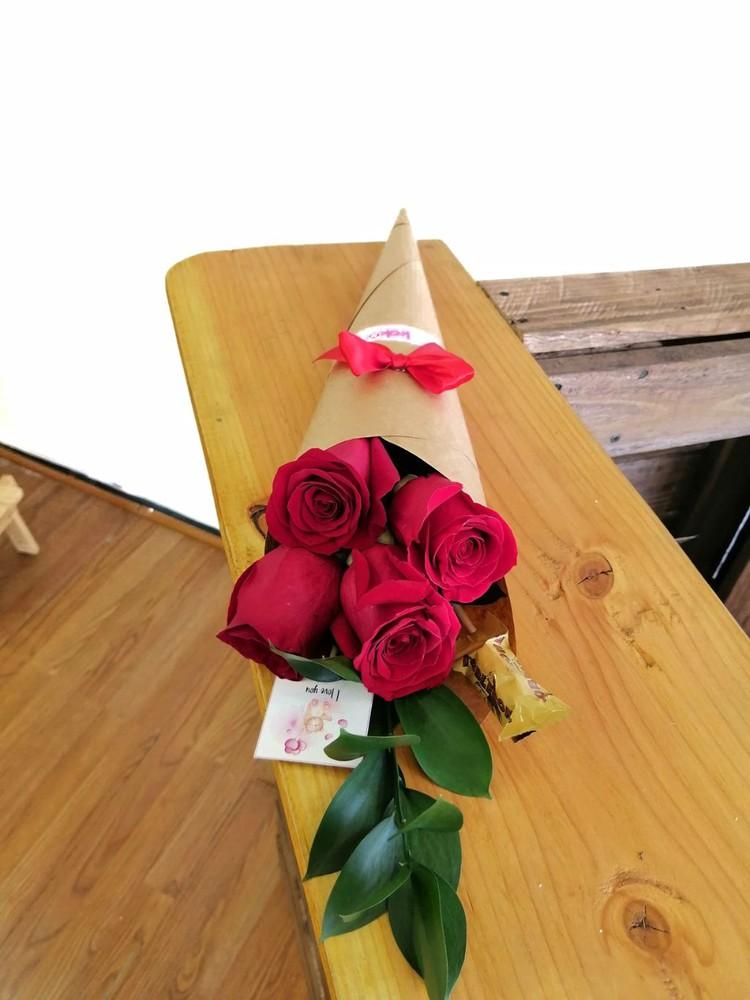 Angi 4 rosas