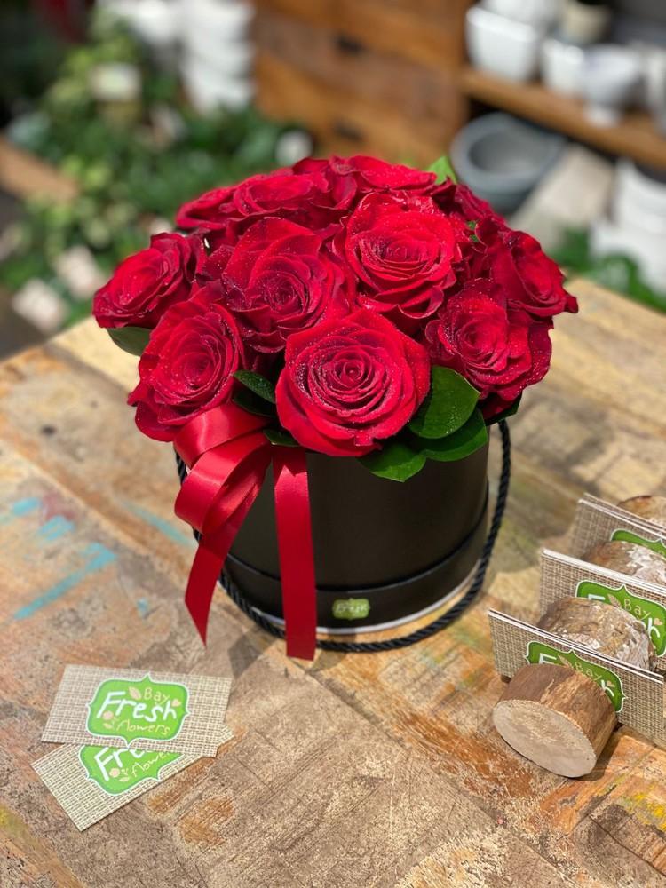 Tender love 12 roses
